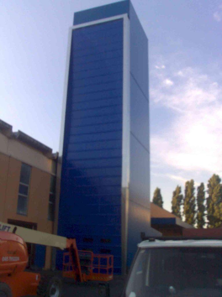 Puertas rápidas para naves industriales en Barcelona y Catalunya