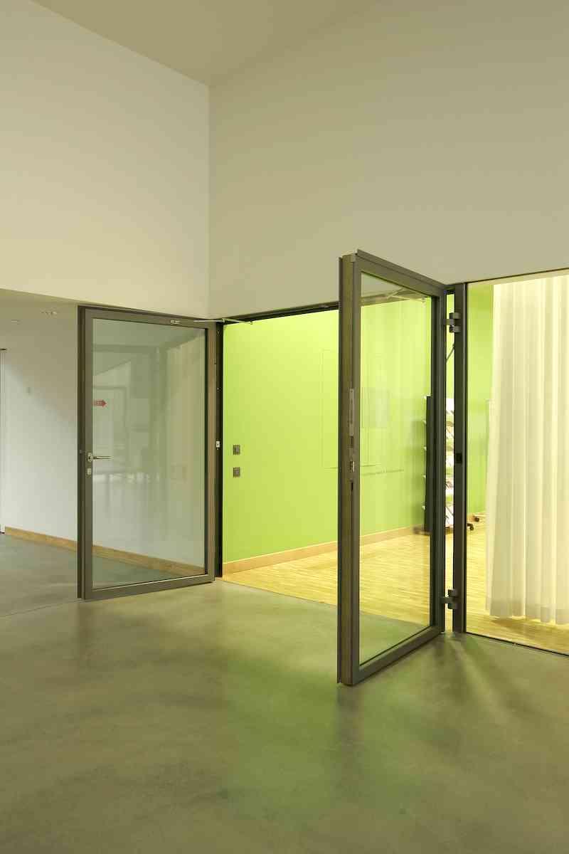 Puertas automáticas de cristal batientes