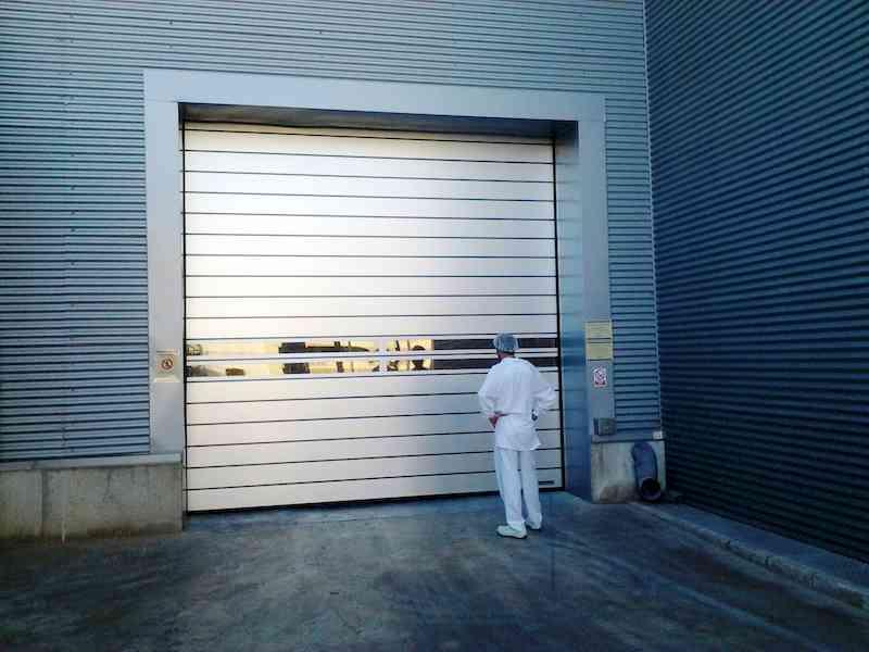 puerta industrial para naves industriales